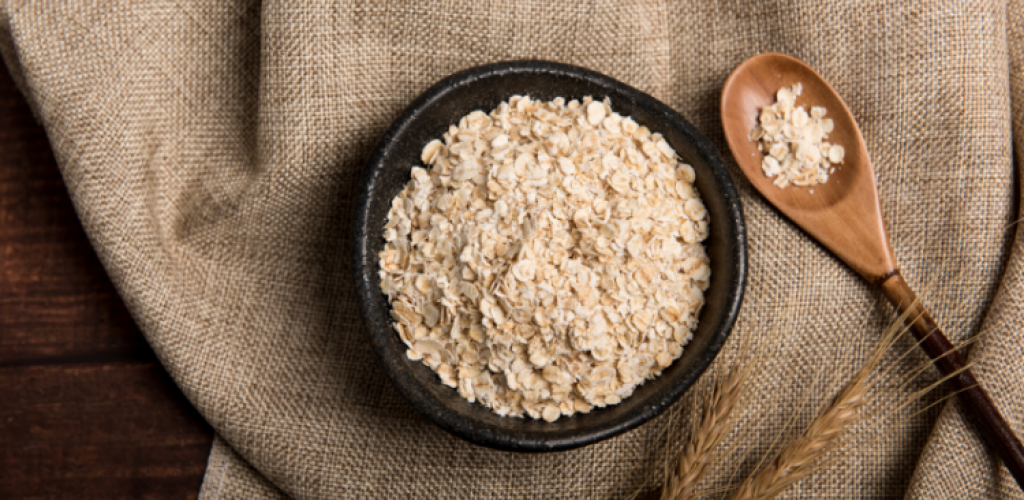 Oats are a lactogenic food and increases breastmilk supply - order a breastfeeding box online today